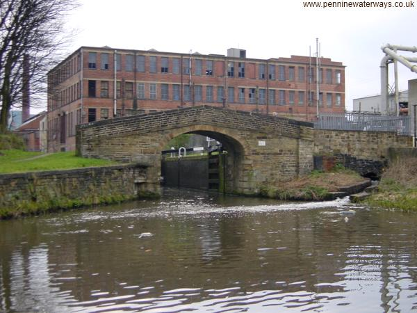 Joe Kayes Bridge, Huddersfield Broad Canal