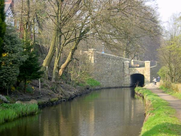 High Street Bridge, Huddersfield Narrow Canal, Uppermill, Saddleworth