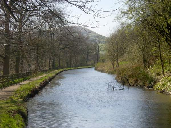 towards Greenfield from Uppermill, Huddersfield Narrow Canal, Uppermill, Saddleworth