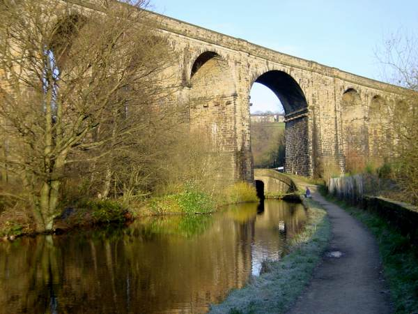 Saddleworth Viaduct, Huddersfield Narrow Canal, Saddleworth