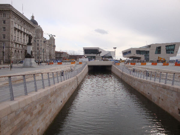 Liverpool canal link