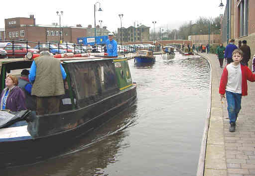 Traffic jam on the Huddersfield Canal
