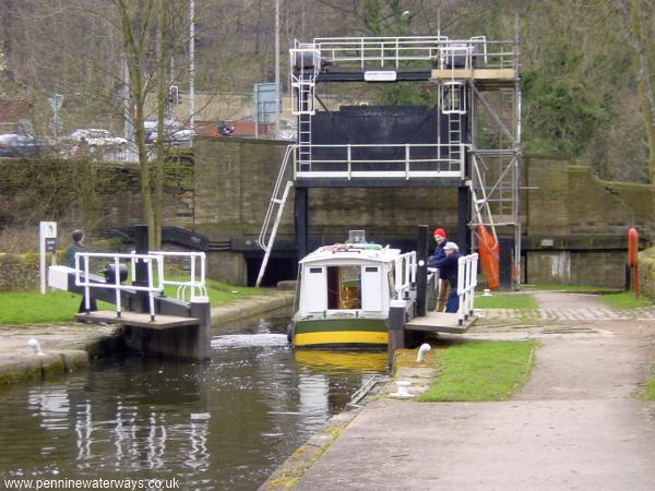 Salterhebble Guillotine Lock