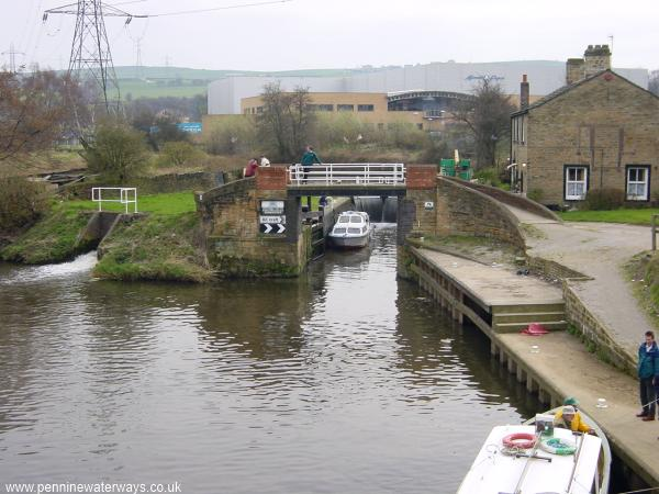 junction with Huddersfield Broad Canal, CooperBridge, Calder and Hebble Navigation