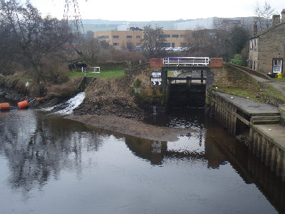 The entrance to the Huddersfield Broad Canal
