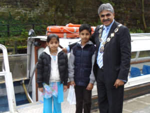 Councillor Hussain and grandchildren